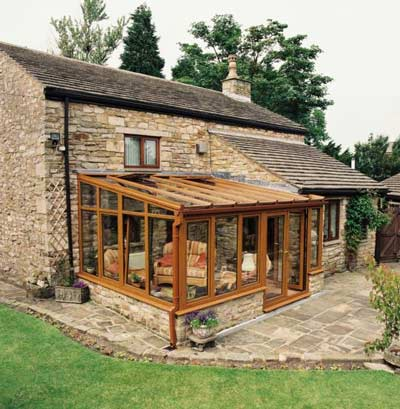 Lean to conservatories in in beds bucks herts and oxon for Garden room lean to